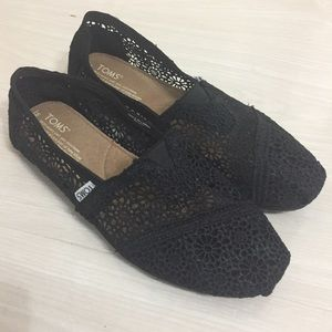 NWT TOMS lace black 8w